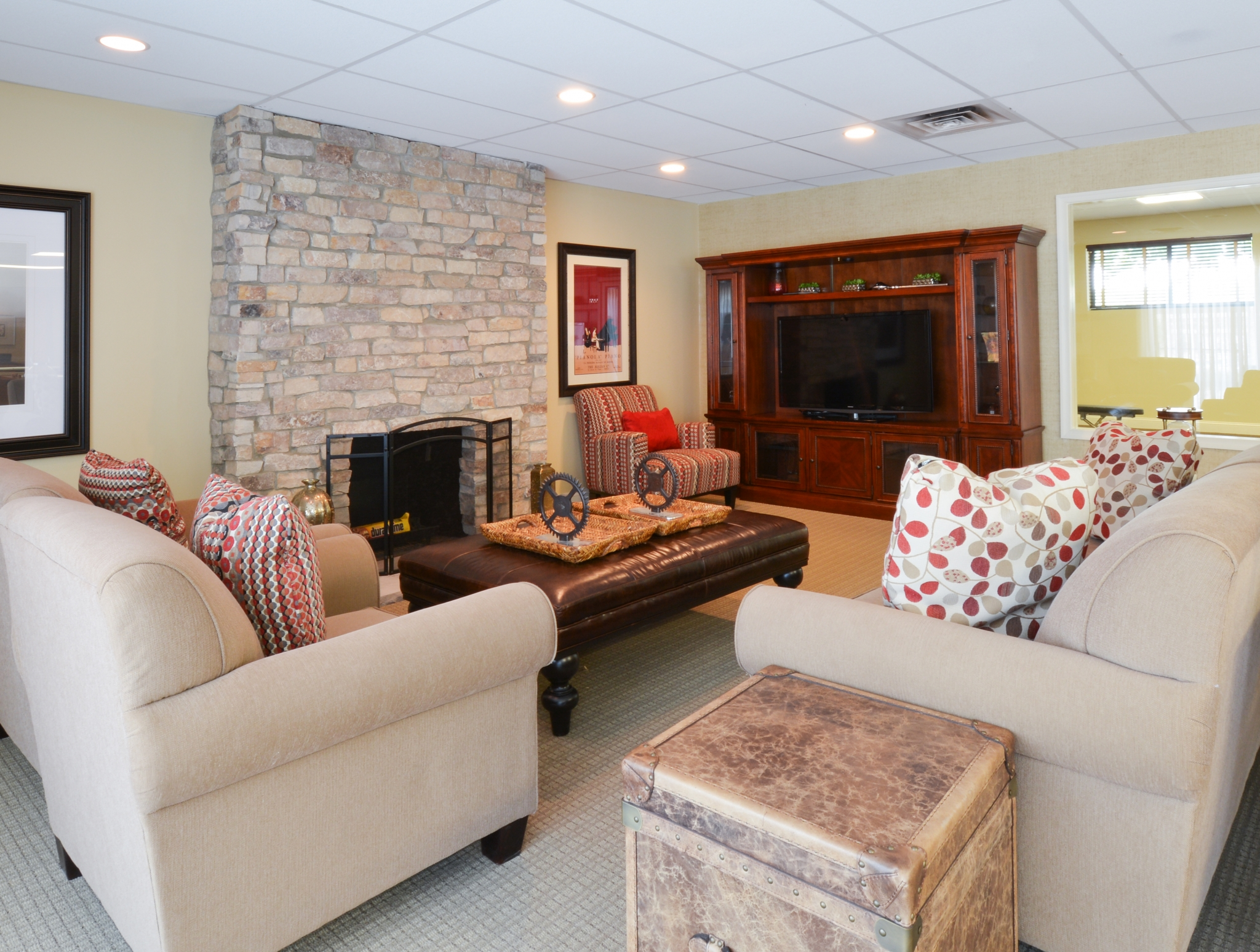 Princeton Orchards Community Clubhouse with Fireplace and TV | Apartments for Rent in South Brunswick, NJ