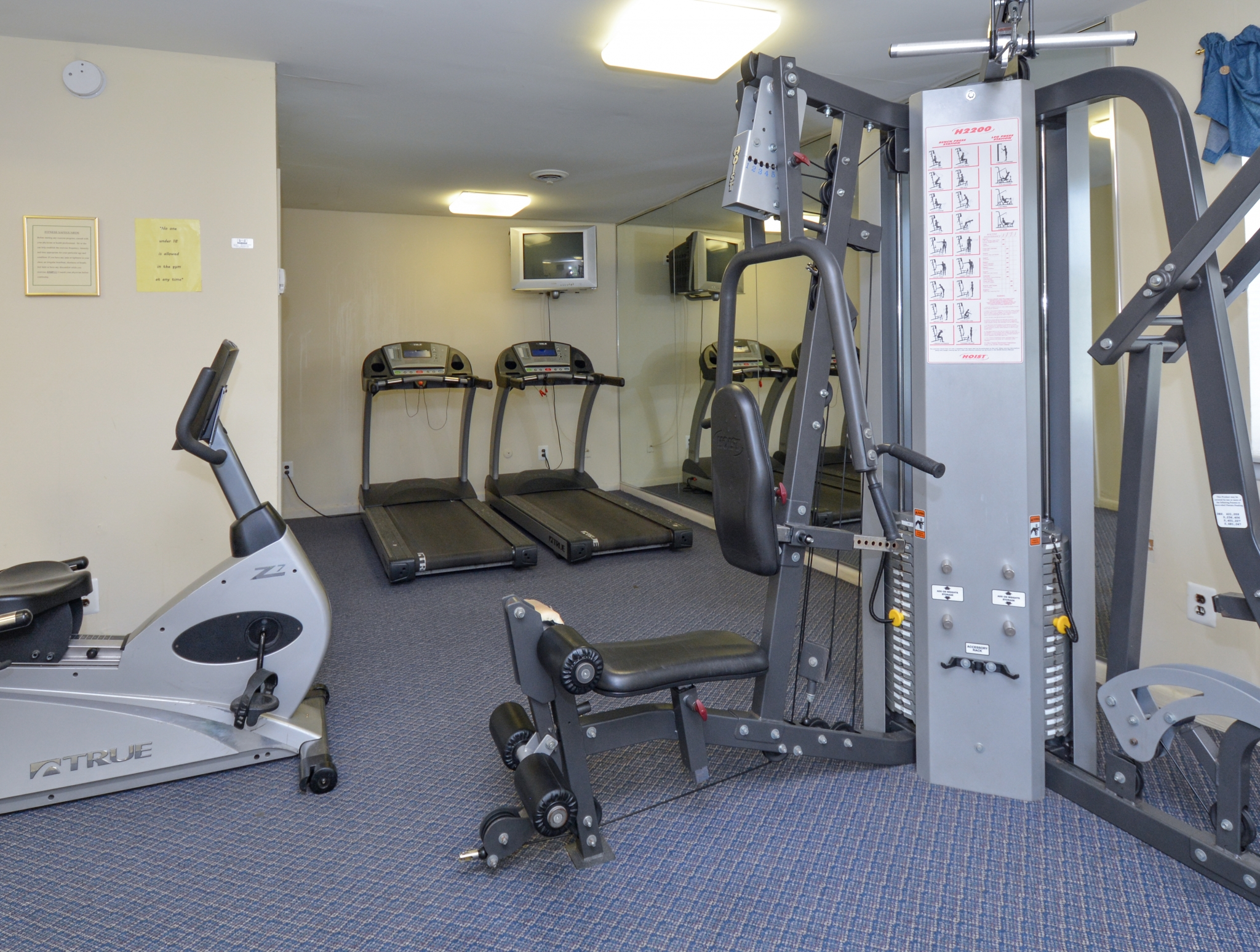 Glen Eagle Village Fitness Center with Cable Machines | Newark Apartments Near DE