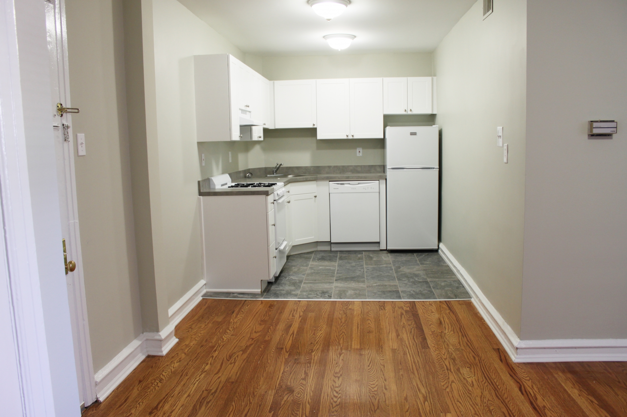 Luxurious Kitchen | Apartment Homes in Ardmore, PA | Suburban Court Apartments