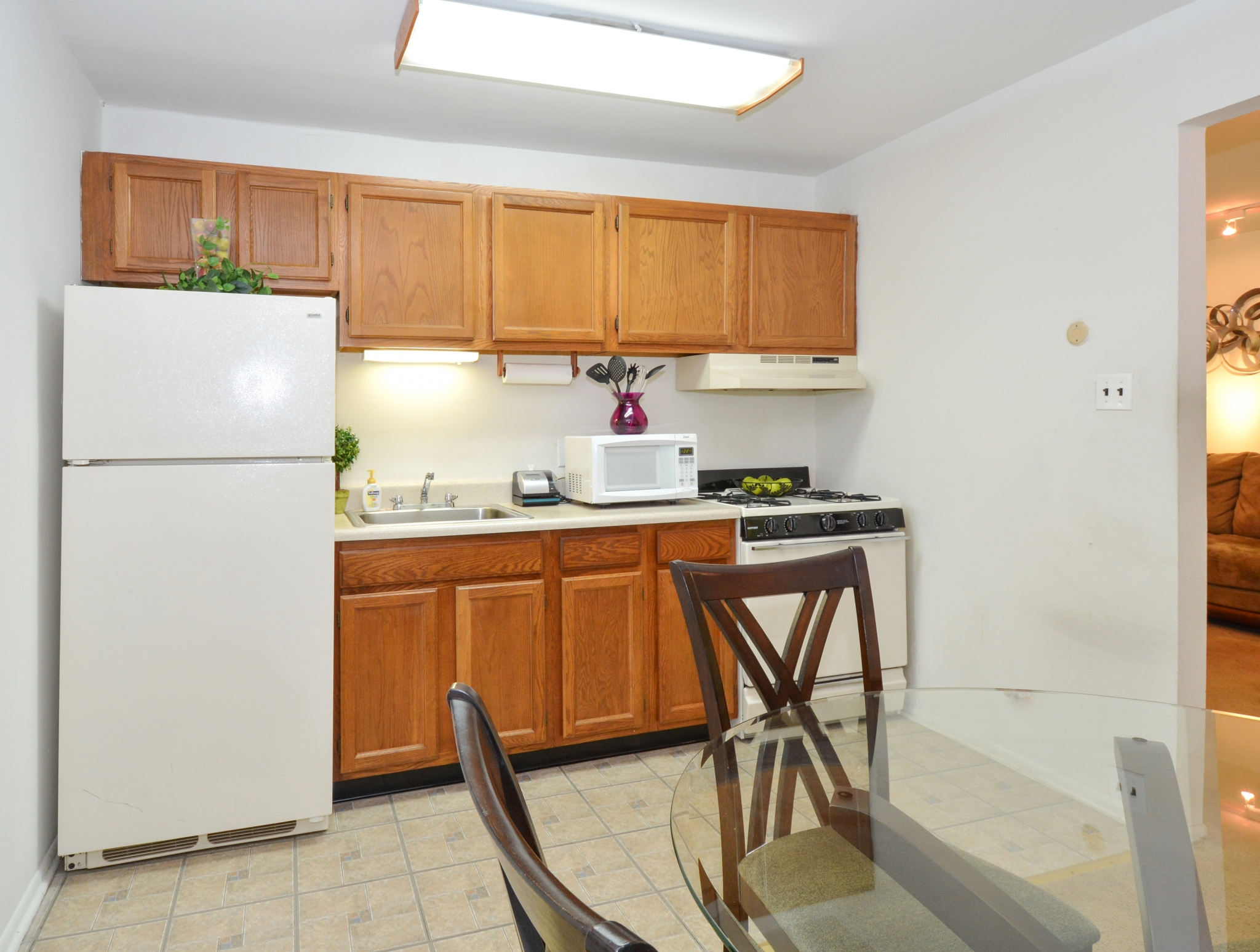 Modern Kitchen | Levittown PA Apartment For Rent | Country Manor Apartments