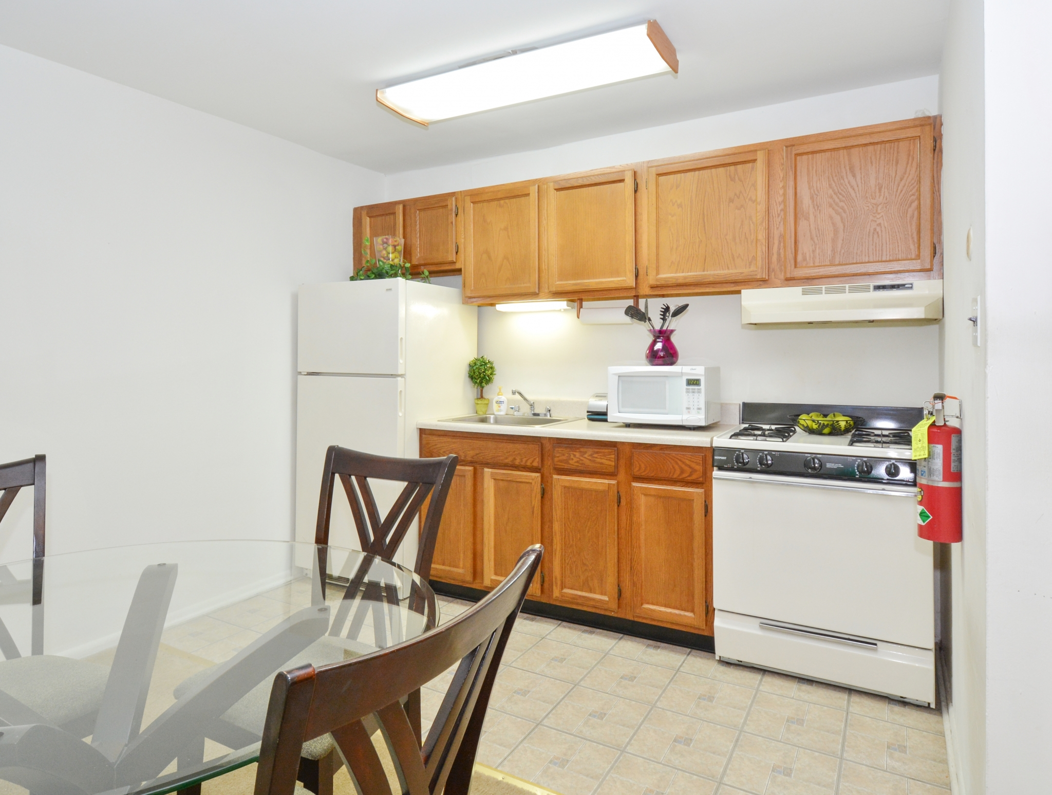 Elegant Kitchen | Apartments in Levittown, PA | Country Manor Apartments