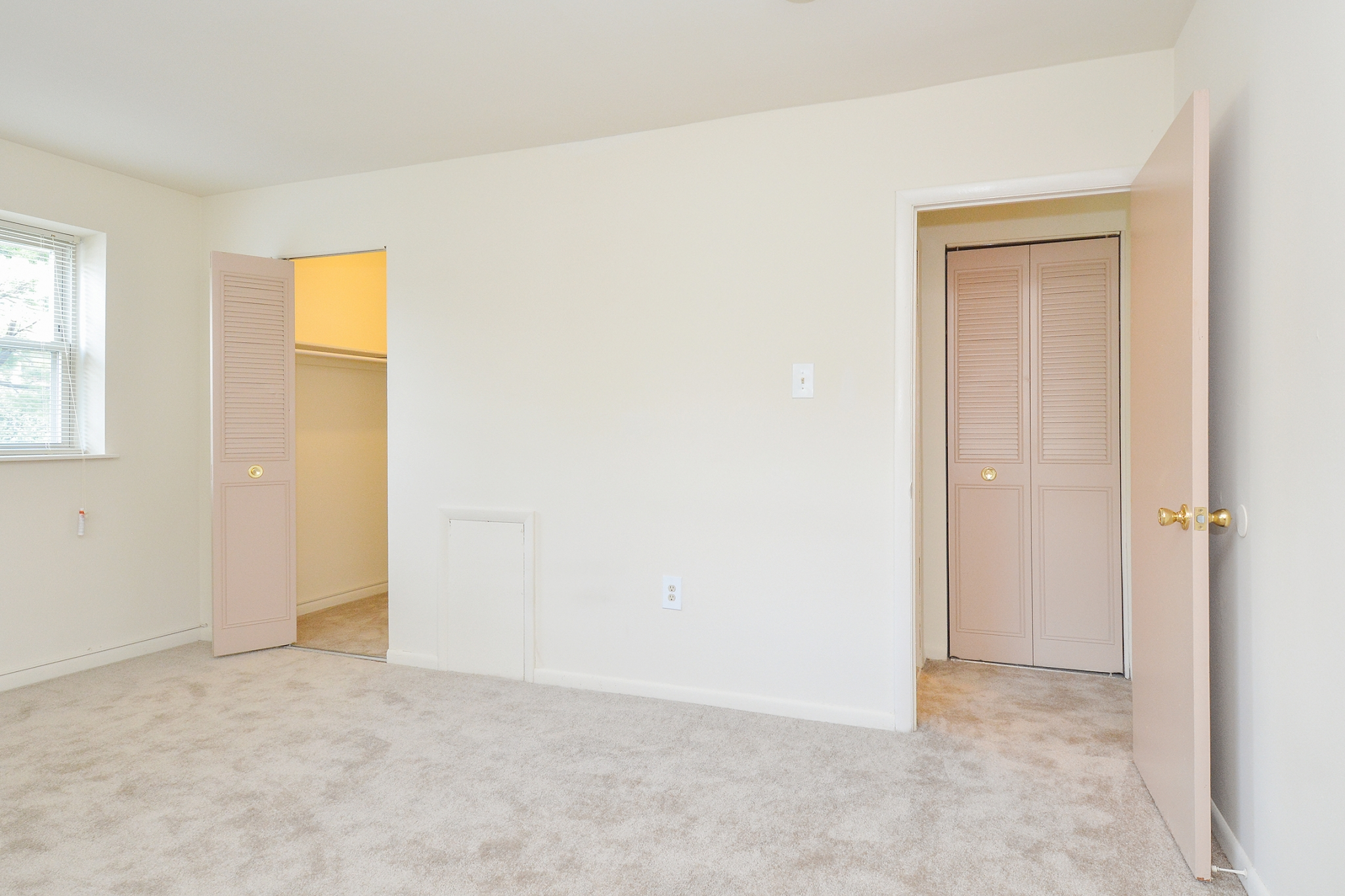 Newport Village Sample Bedroom with Closet Space | Levittown PA Apartments