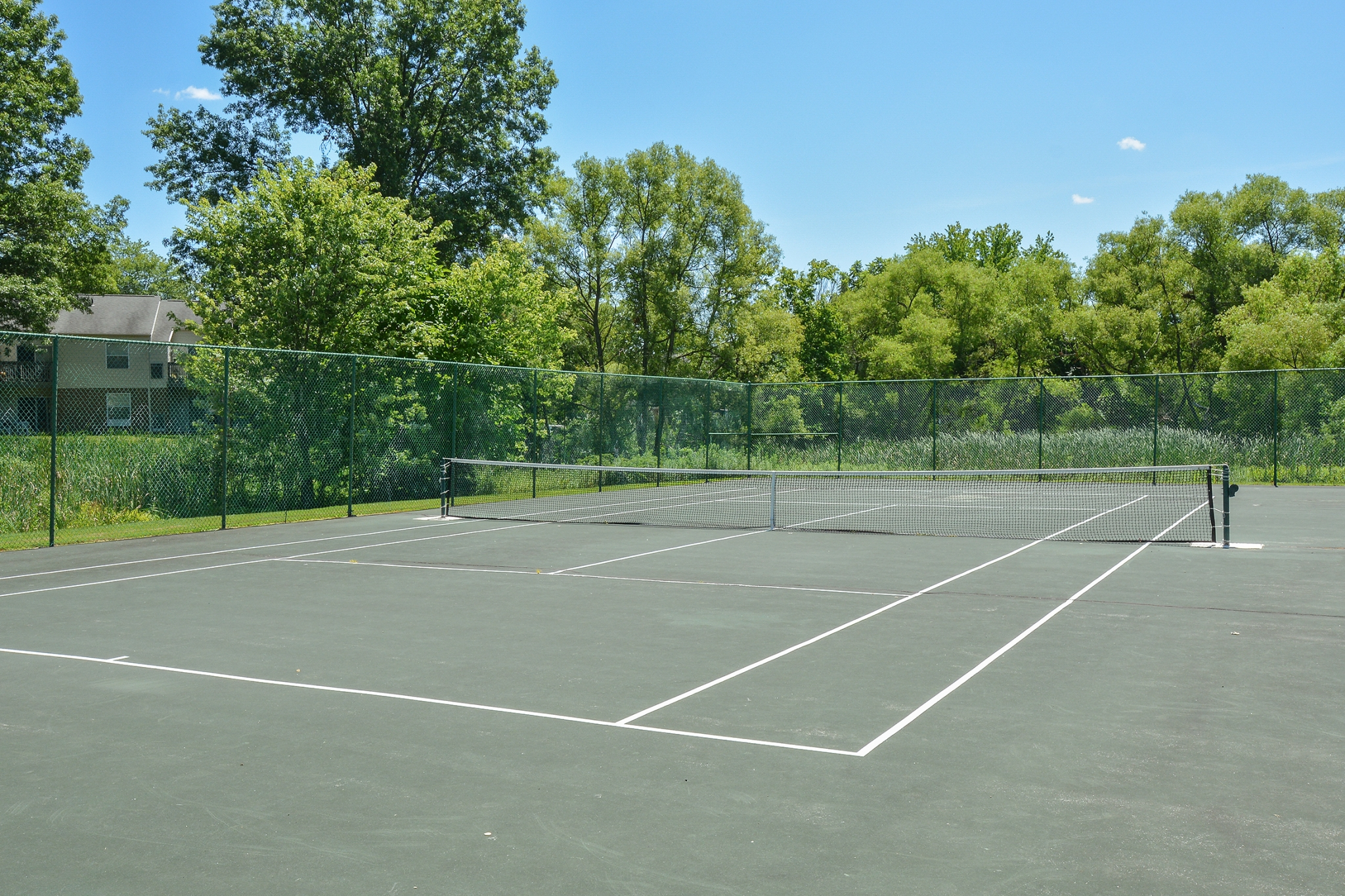Wyntre Brooke Tennis Court | Apartments Near West Chester