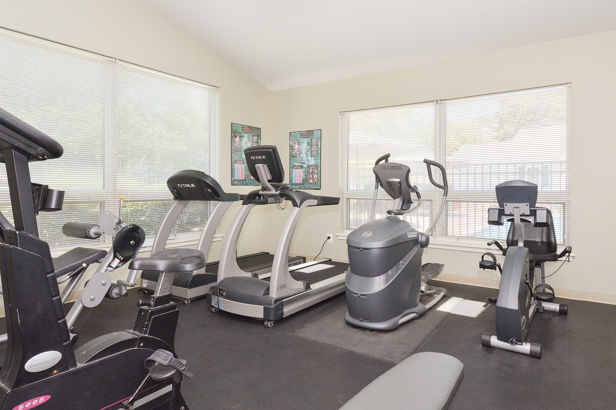 Wyntre Brooke Fitness Center with Machines | Apartments Near West Chester