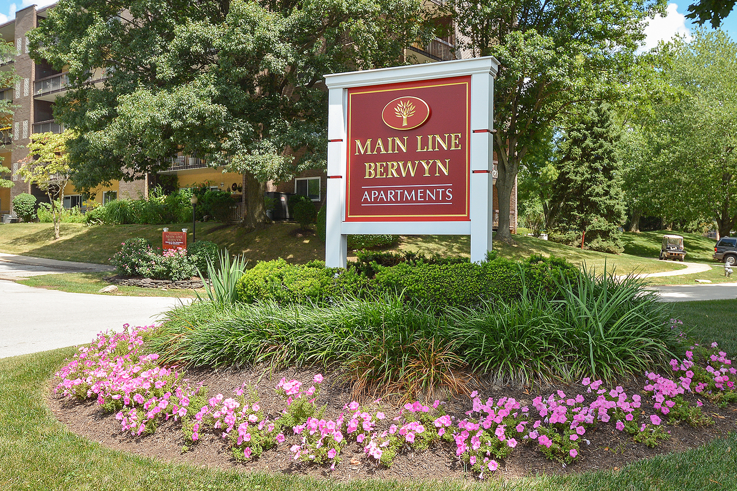 Main Line Berwyn Red Welcome Sign | Berwyn Apartments