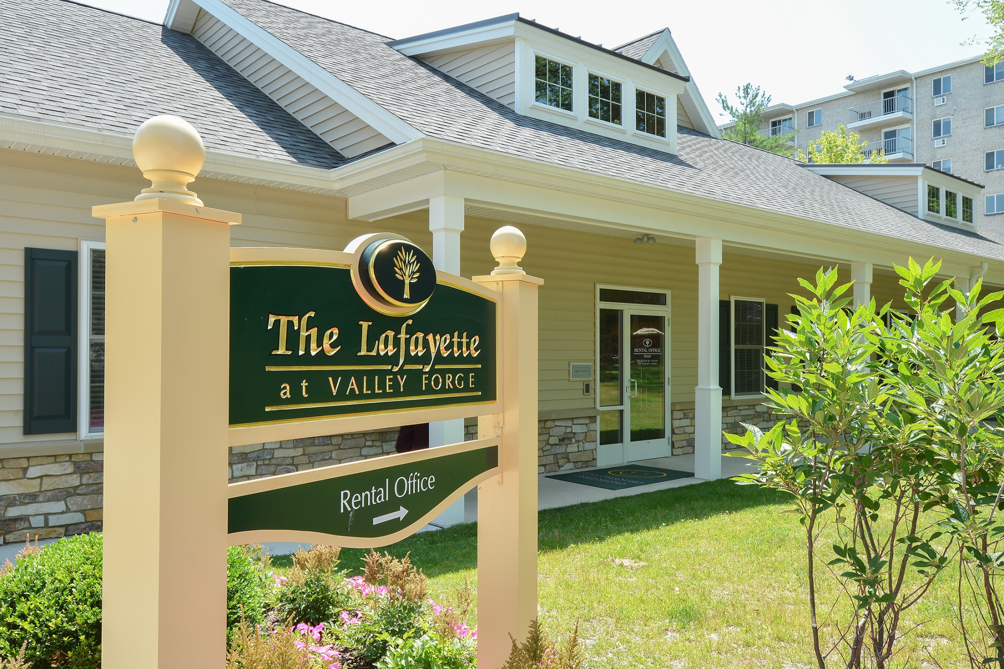 The Lafayette at Valley Forge Green Leasing Center Sign | King of Prussia Apartment Rentals