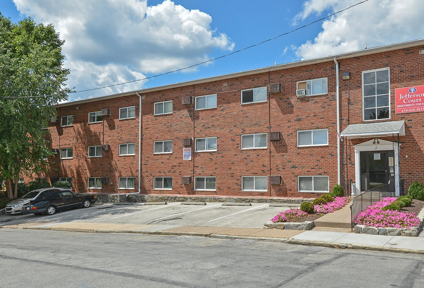 Apartments Homes for rent in Clifton Heights, PA | Jefferson Court Apartments