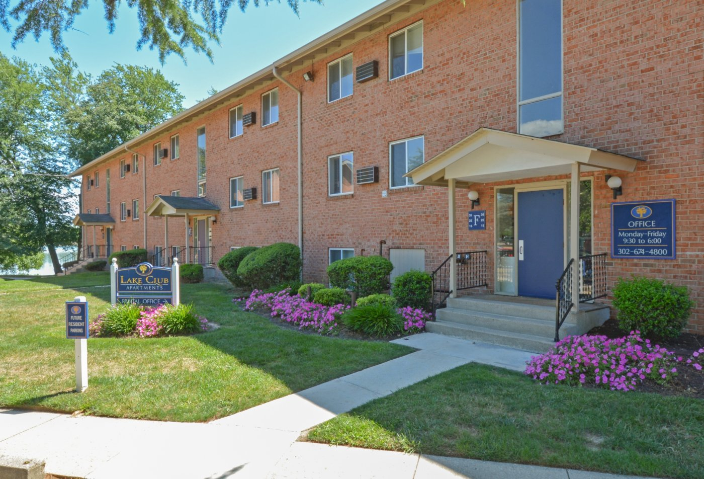 Apartment Homes in Dover, DE | Lake Club Apartments