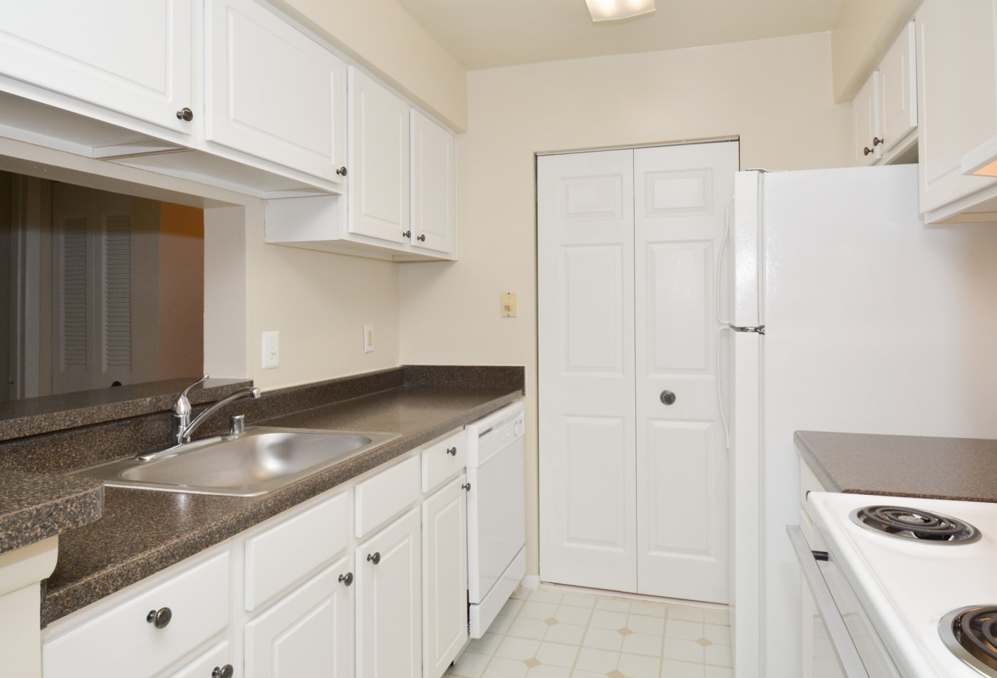 State-of-the-Art Kitchen | Laurel MD Apartment Homes | Spring House Apartments