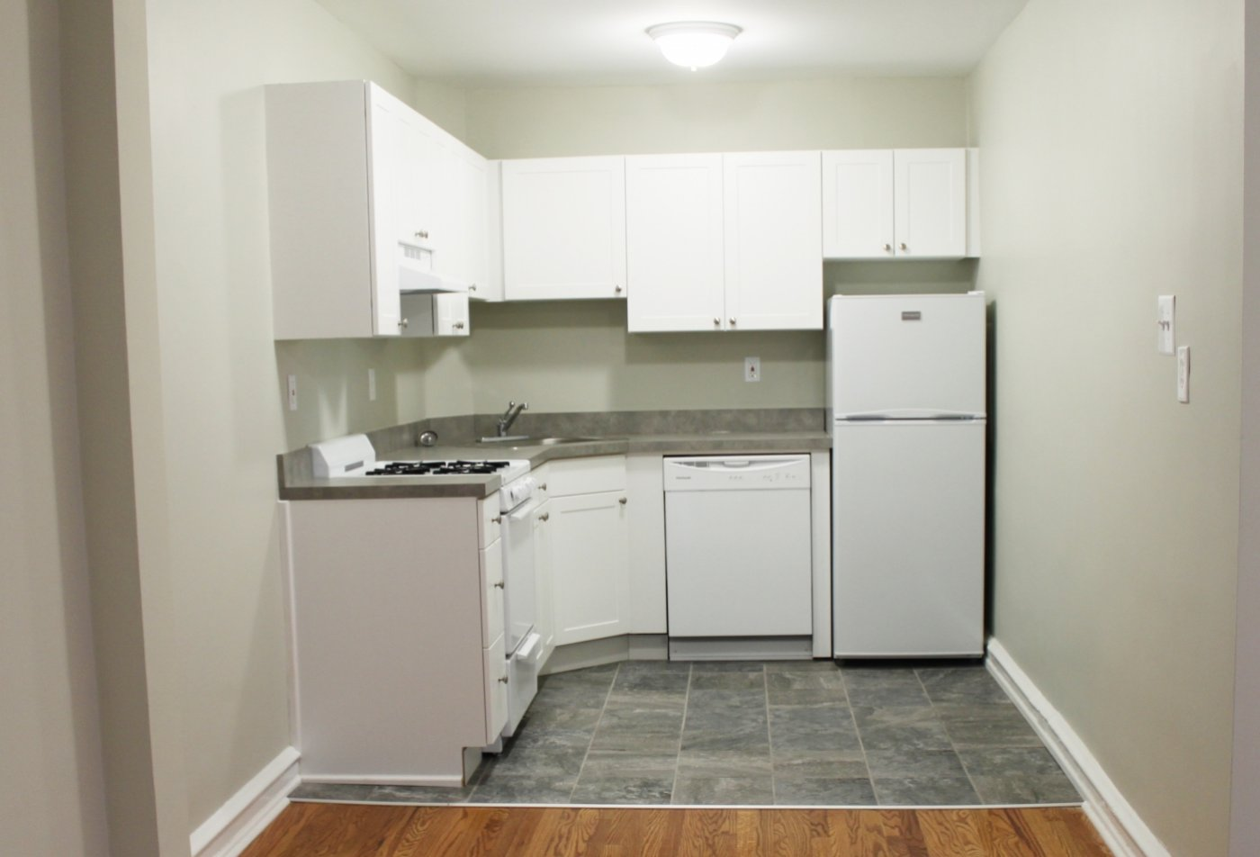 Modern Kitchen | Ardmore PA Apartment For Rent | Suburban Court Apartments