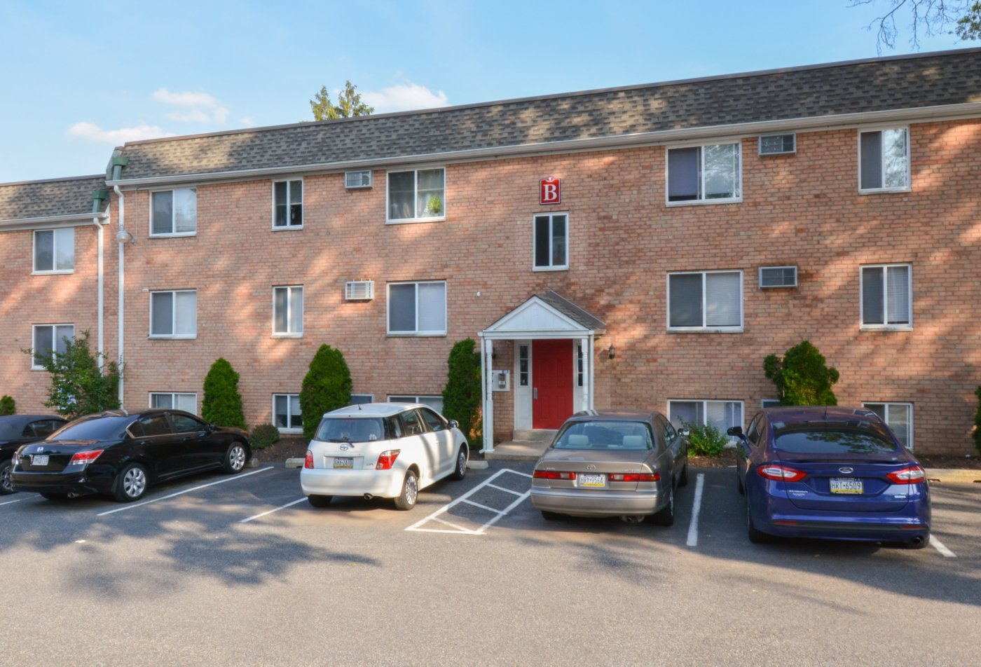 Apartments Homes for rent in Clifton Heights, PA | The Villages of Westbrook Apartments
