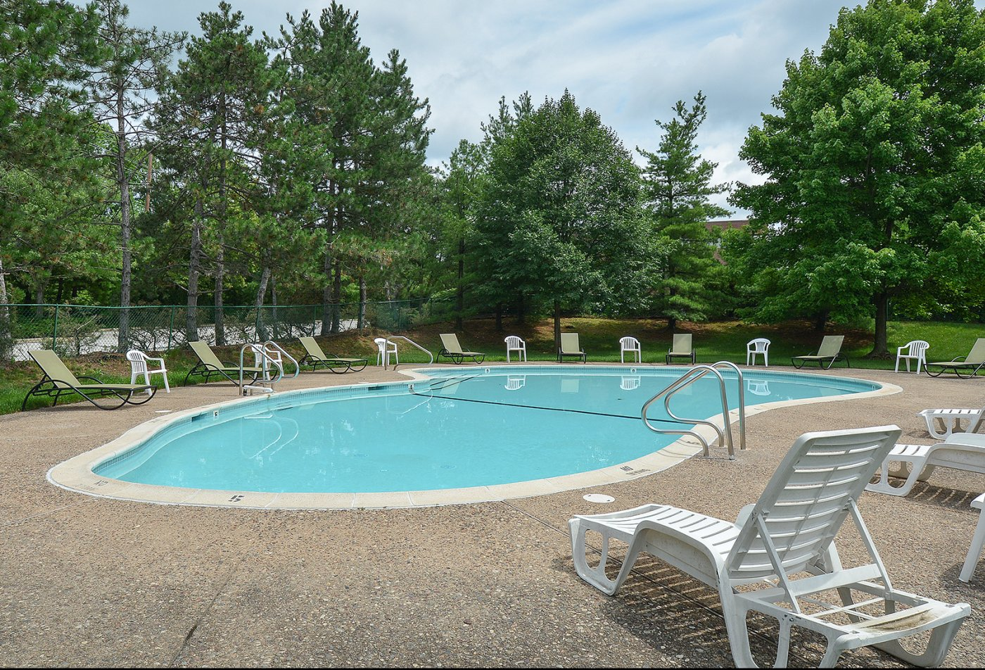 Swimming Pool | Apartment Homes in King of Prussia, PA | Valley Forge Suites