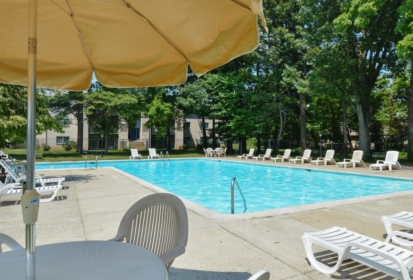Swimming Pool | Apartment Homes in Lansdale, PA | Valley Stream Apartments