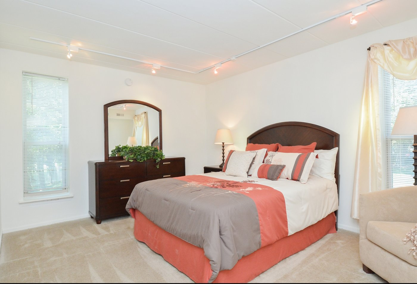 Spacious Master Bedroom | Apartments Homes for rent in Langhorne, PA | Summit Trace Apartments