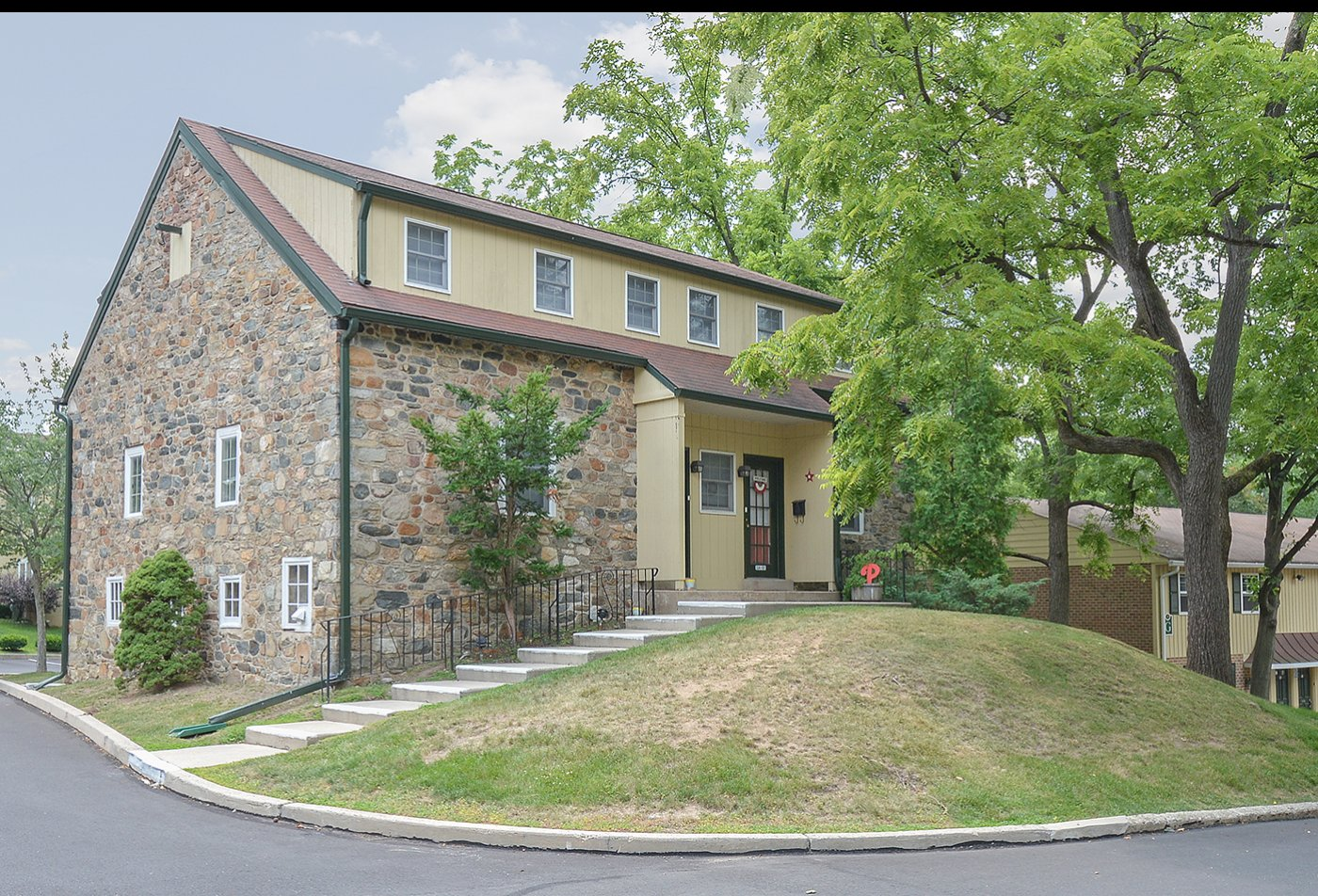 Apartment Homes in Willow Grove, PA | Willow Run Apartments