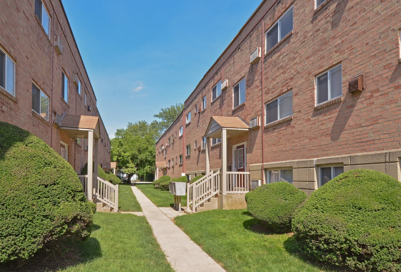 Apartment Homes in Media, PA | Woodview Apartments