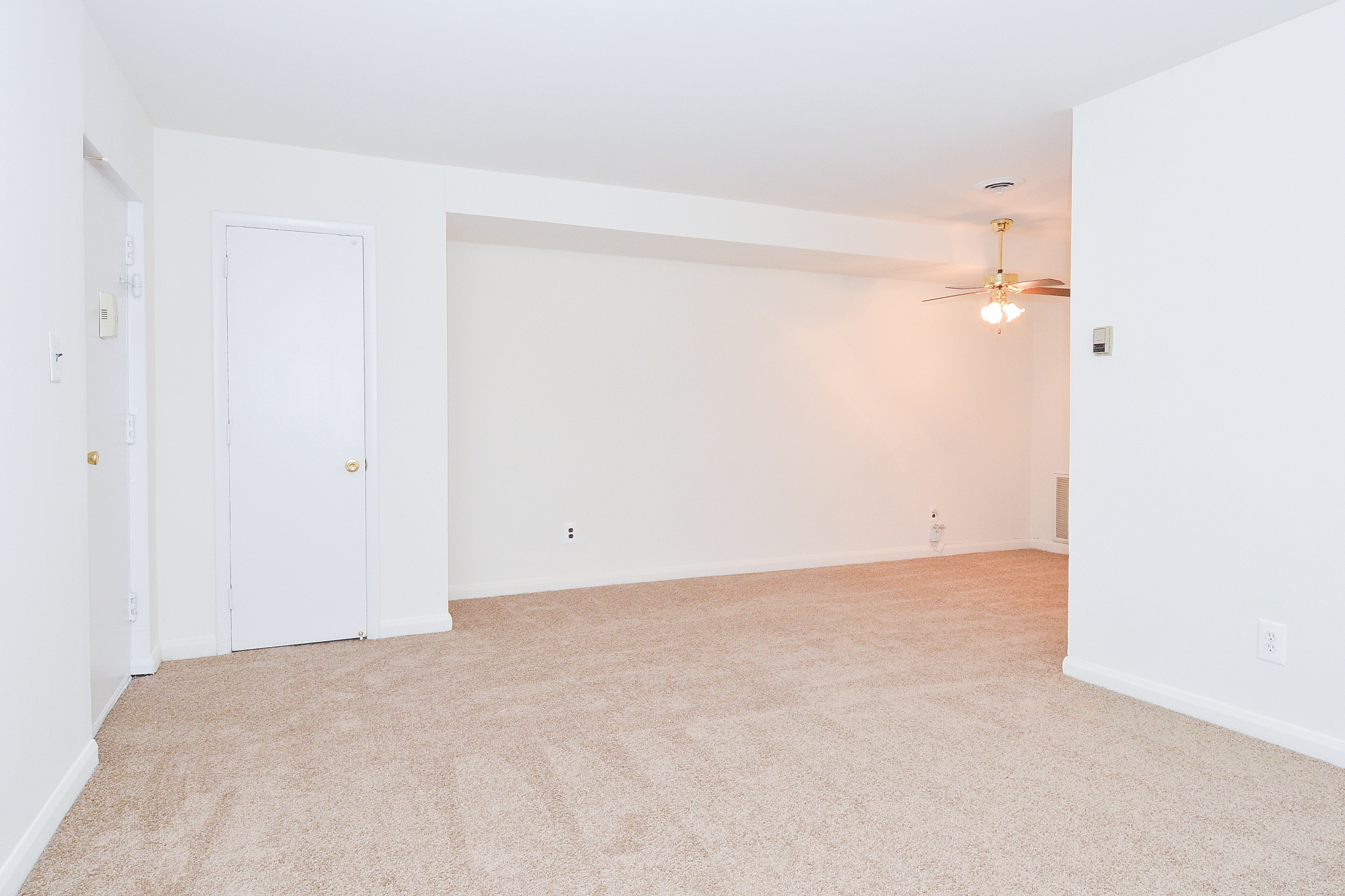 Elegant Living Area | Apartment Homes In Wilmington | Cedar Tree Apartments