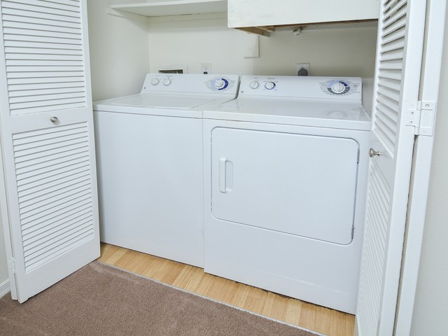 Waterloo Place Apartment Washer and Dryer | Apartments In Baltimore County