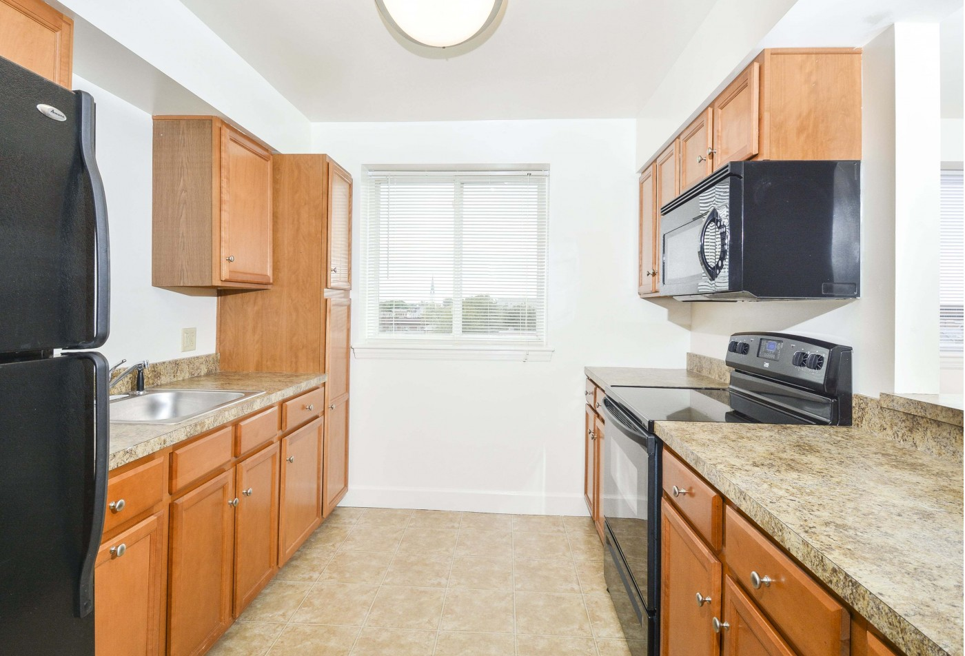 Spacious Dining Room | Apartment in Lancaster, PA | City View Apartments