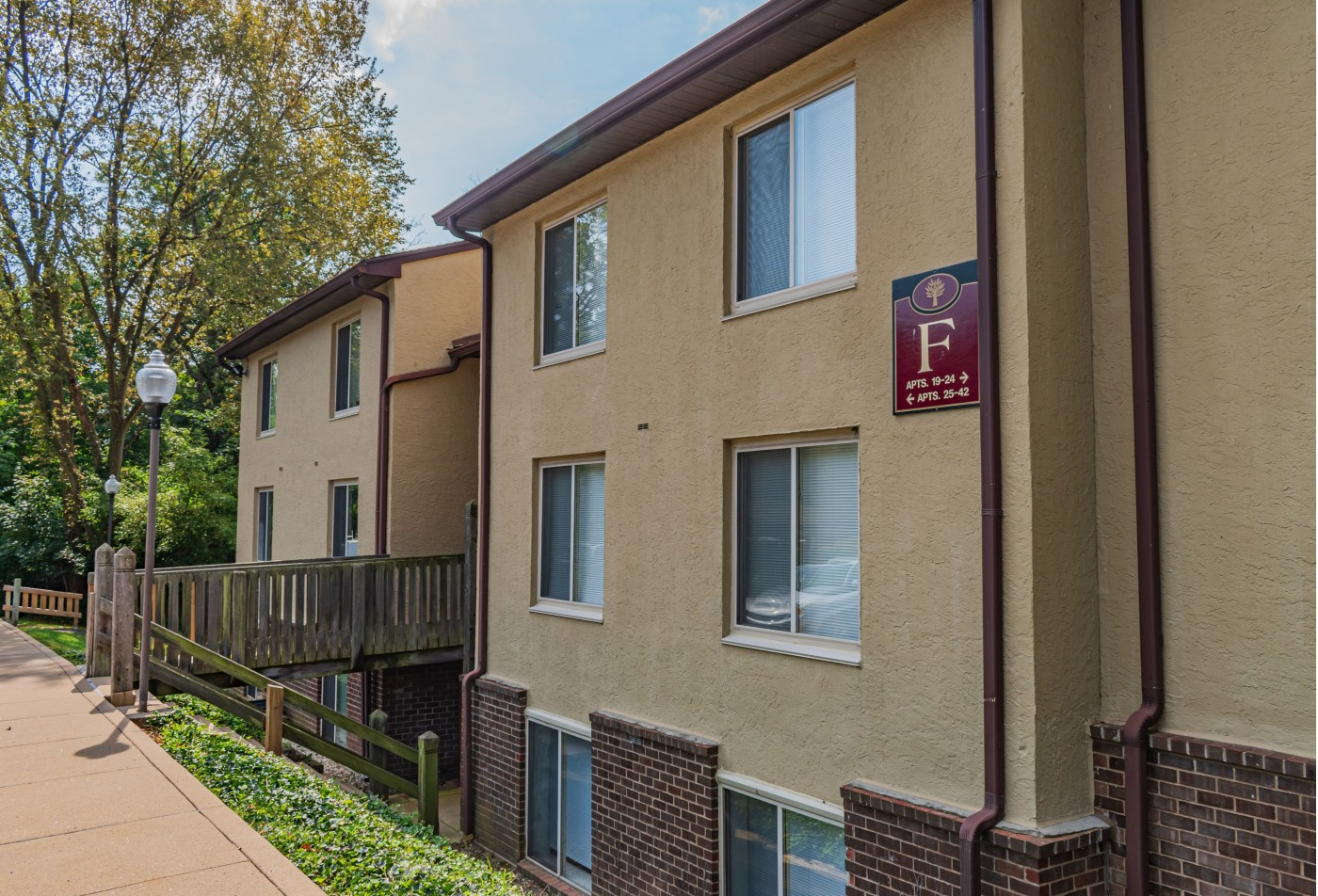 Apartments in Warminster, PA | Fox Run Apartments
