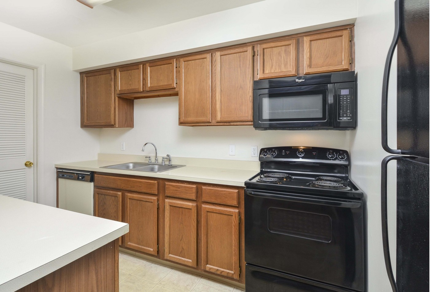 Spacious Master Bedroom | Apartments For Rent Wyomissing PA | Victoria Crossing Apartments
