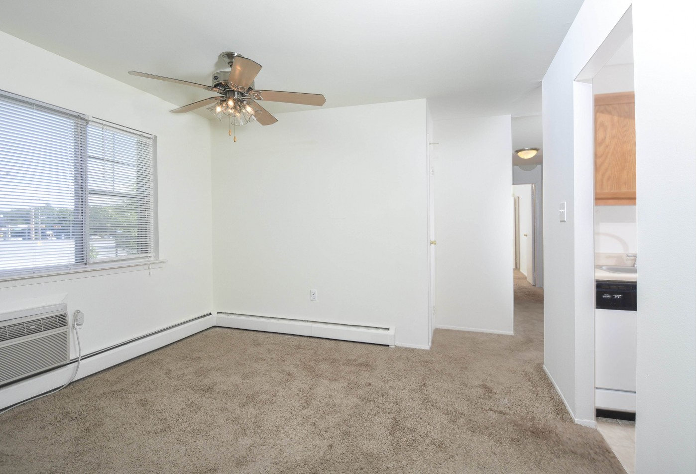 Apartments In Wyomissing PA | Woodland Plaza