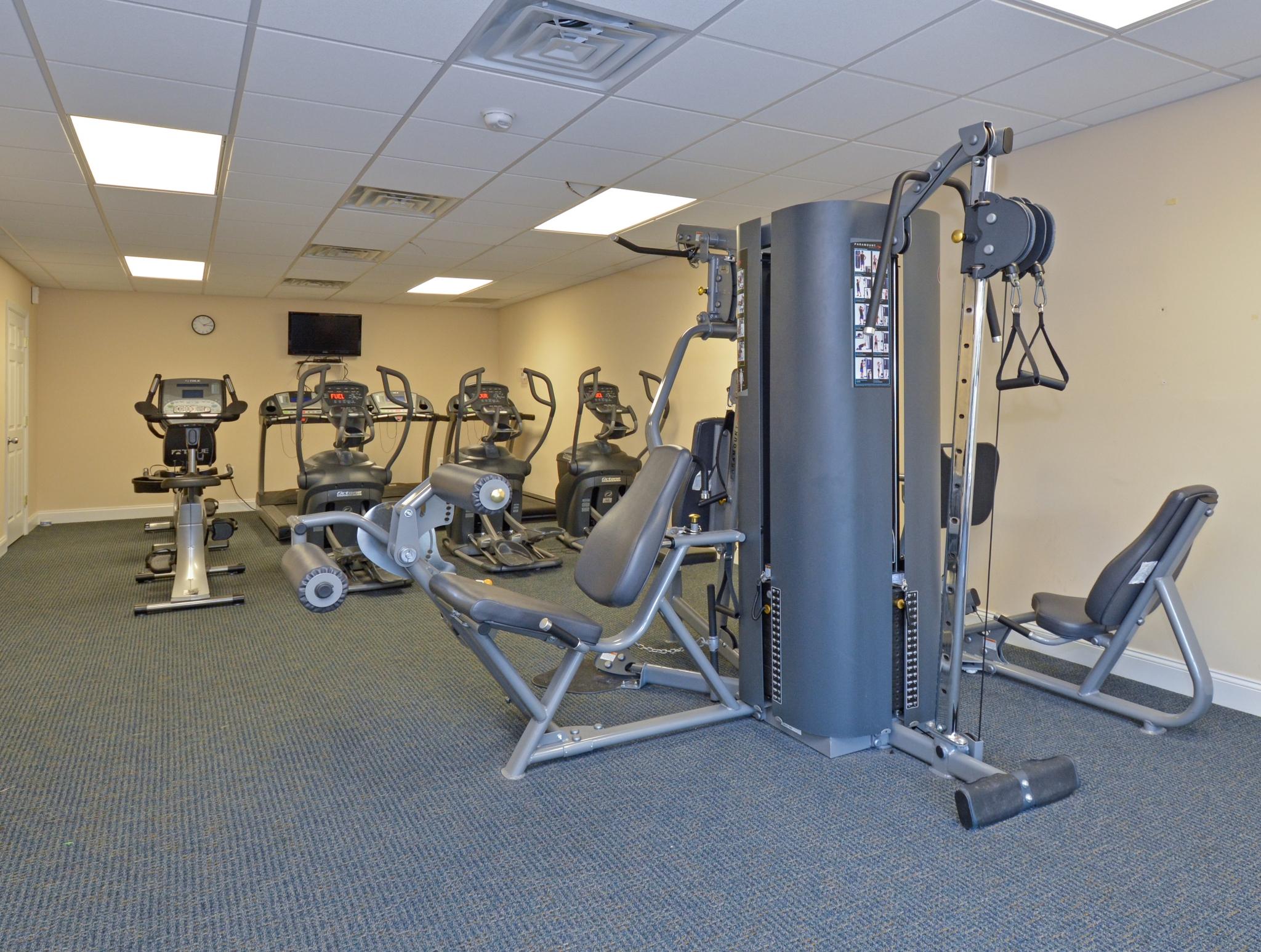 Fox Run Fitness Center   Warminster Apartments