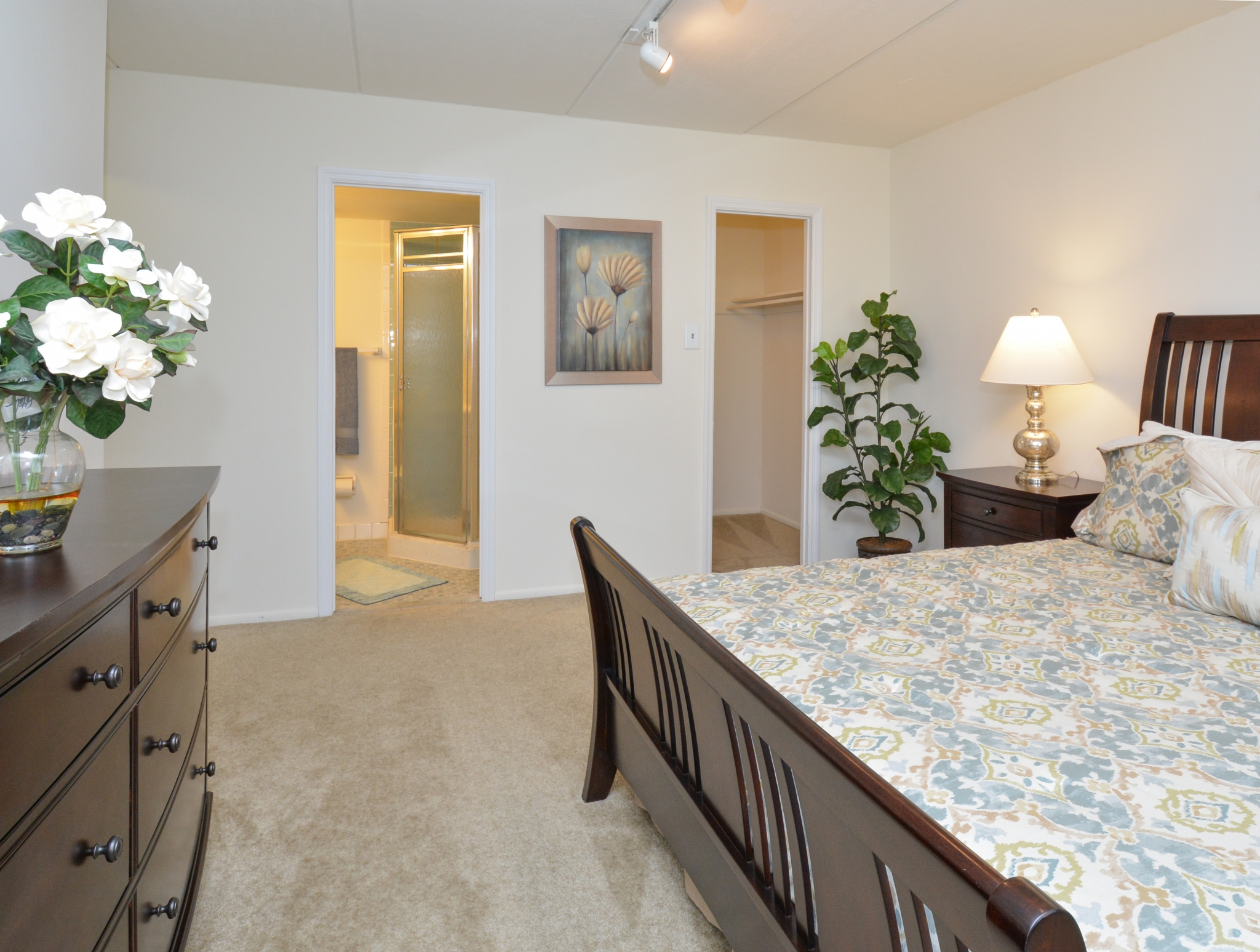 Norwood House Sample Bedroom with Closet and Bathroom View | Apartments In Downingtown