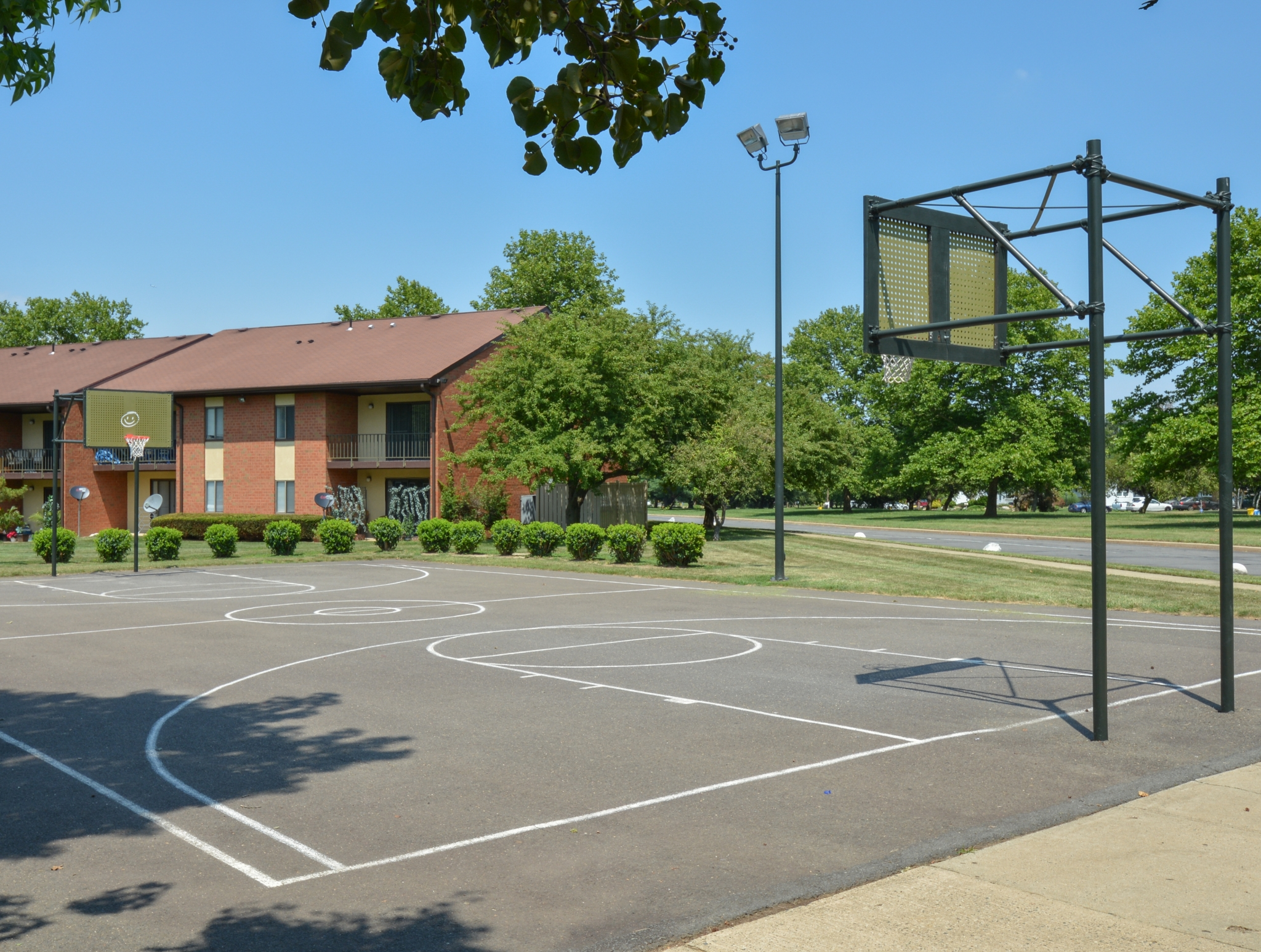 Princeton Orchards Basketball Court | Apartments for Rent in South Brunswick, NJ