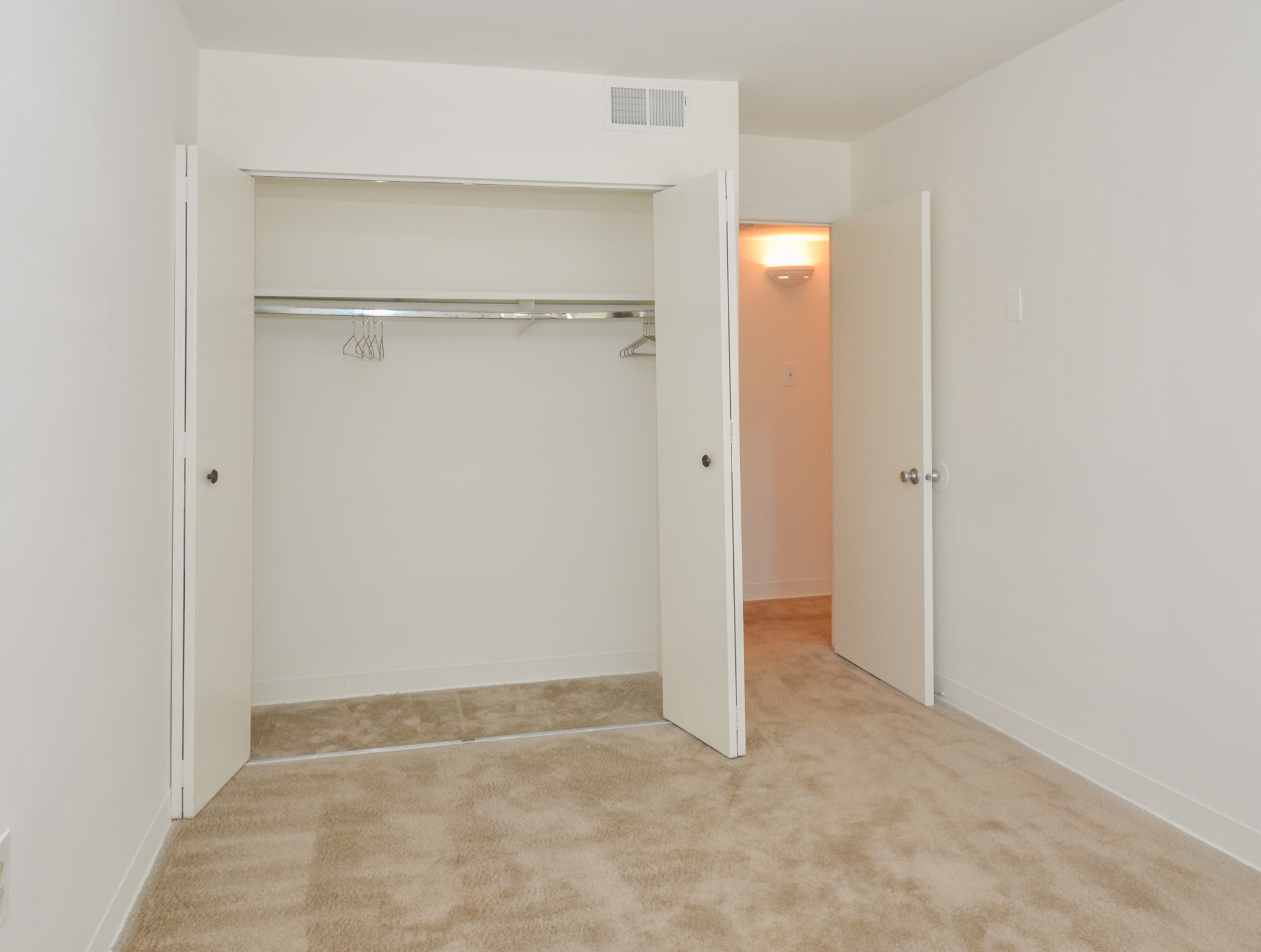 Princeton Orchards Sample Bedroom with Large Open Closet | Apartments for Rent in South Brunswick, NJ