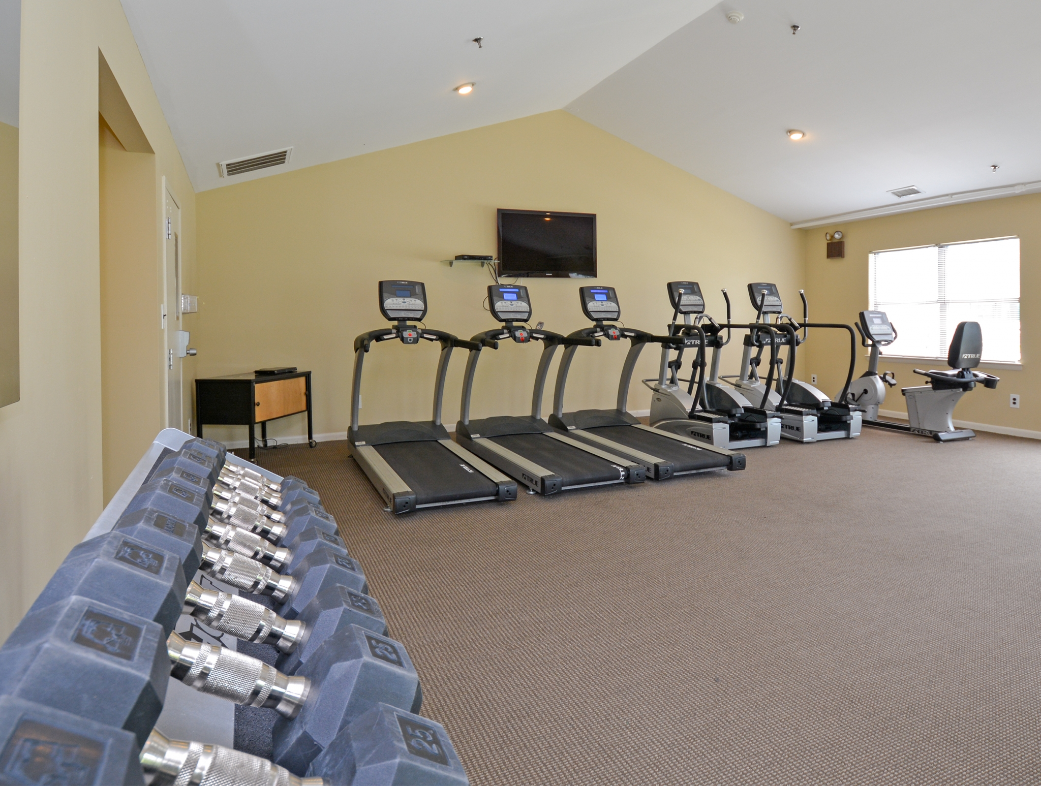 Willow Ridge Village Fitness Center with Dumbbells and Treadmill Machines | Apartments In Marlton NJ