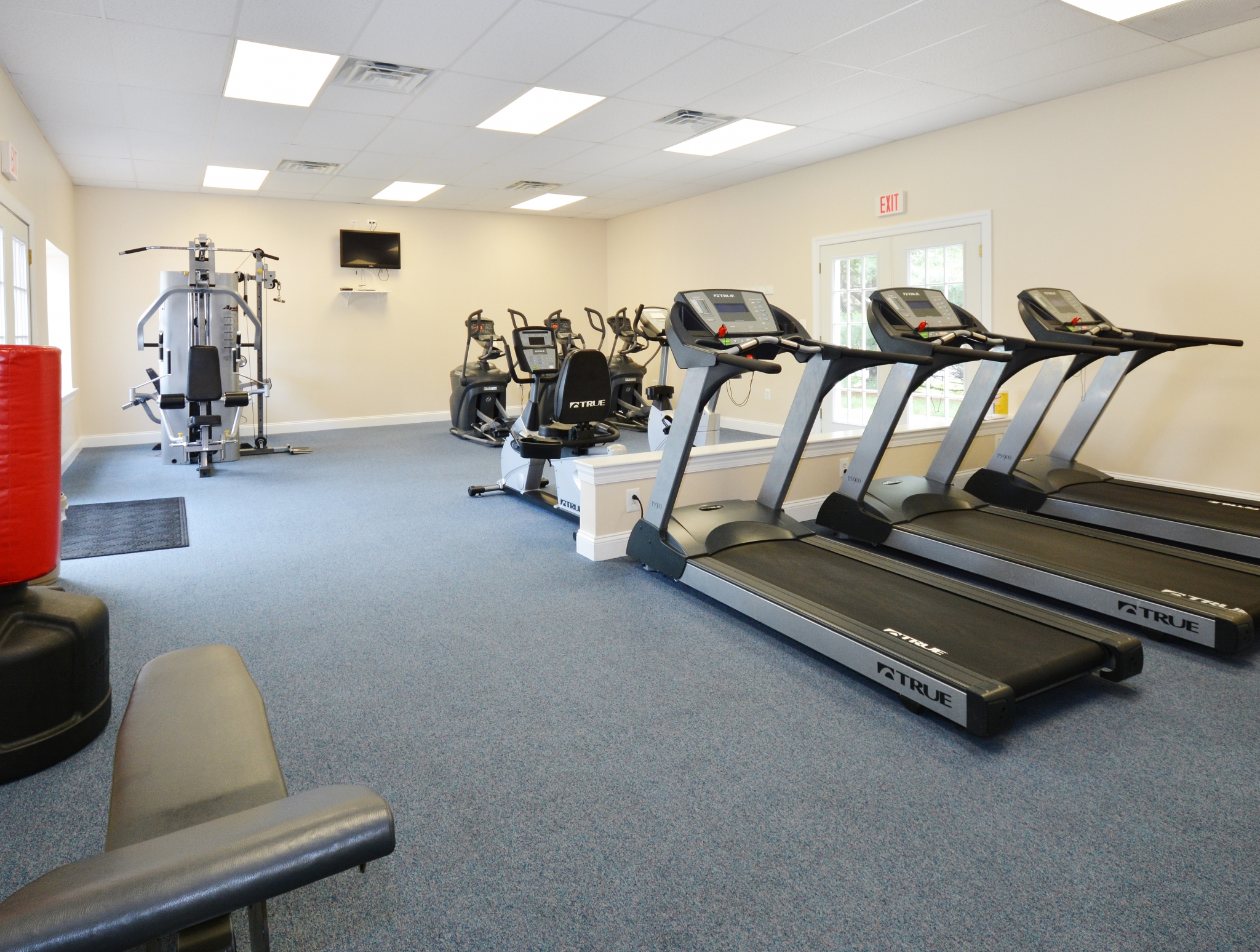 Community Fitness Center | Apartment in Levittown, PA | Country Manor Apartments