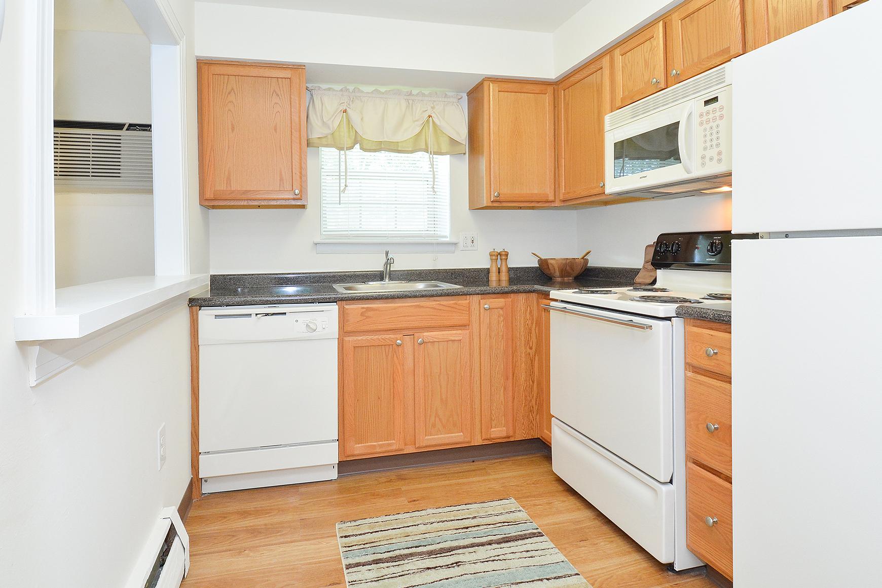 Elegant Kitchen | Apartments in Claymont, DE | Naamans Village Apartments