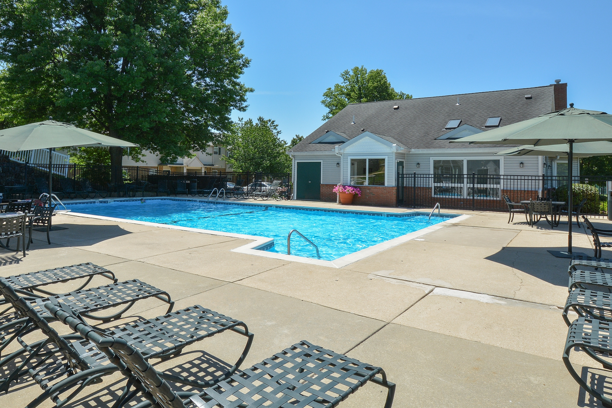 Wyntre Brooke Swimming Pool with Umbrellas | Apartments Near West Chester