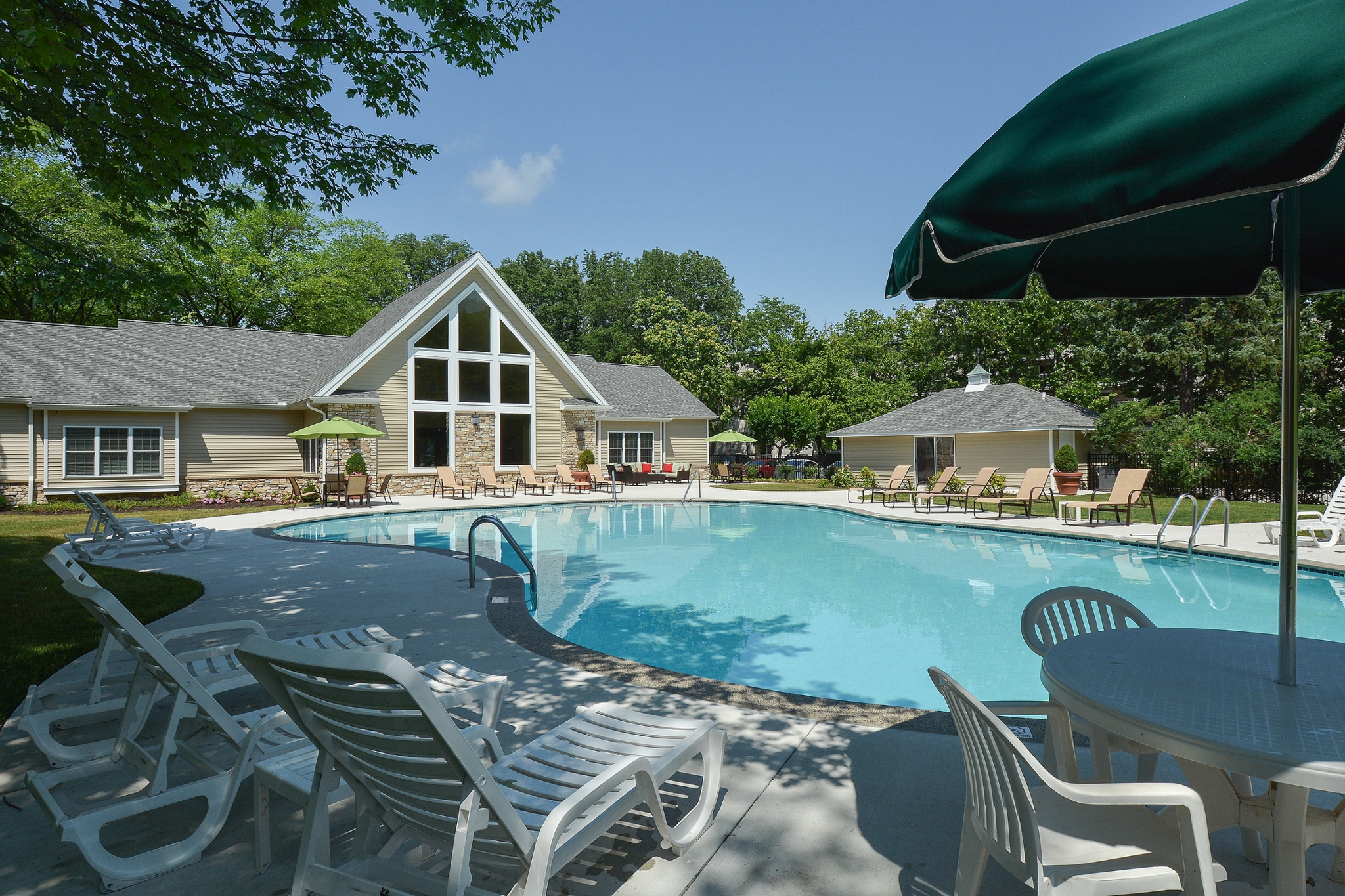 The Lafayette at Valley Forge Swimming Pool with Clubhouse View | King of Prussia Apartment Rentals