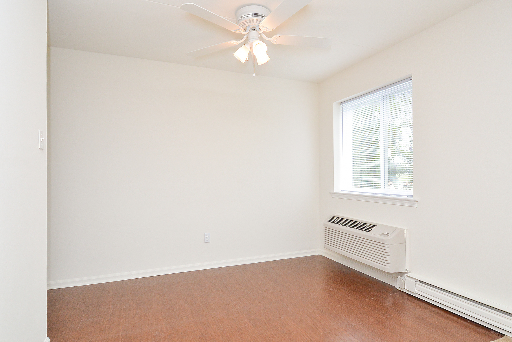 Gulph Mills Village Sample Dining Room   Apartments In King Of Prussia PA