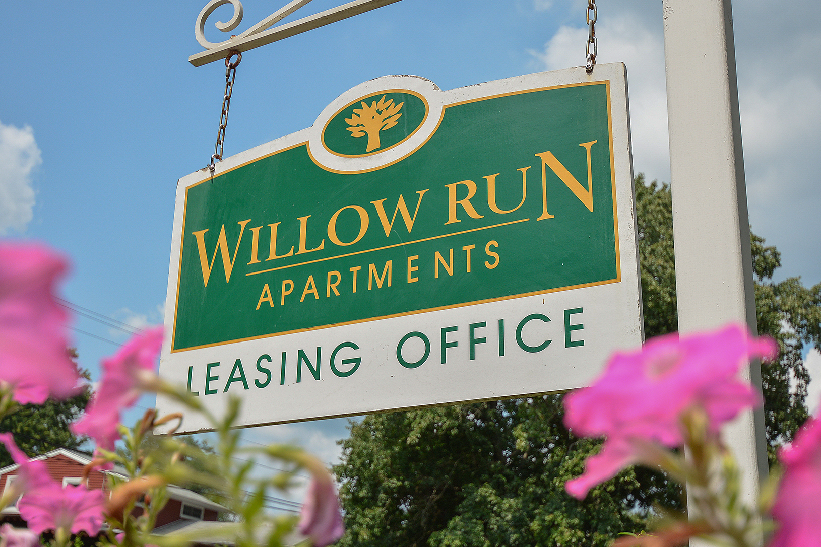 Friendly Office Staff | Willow Grove PA Apartments For Rent | Willow Run Apartments