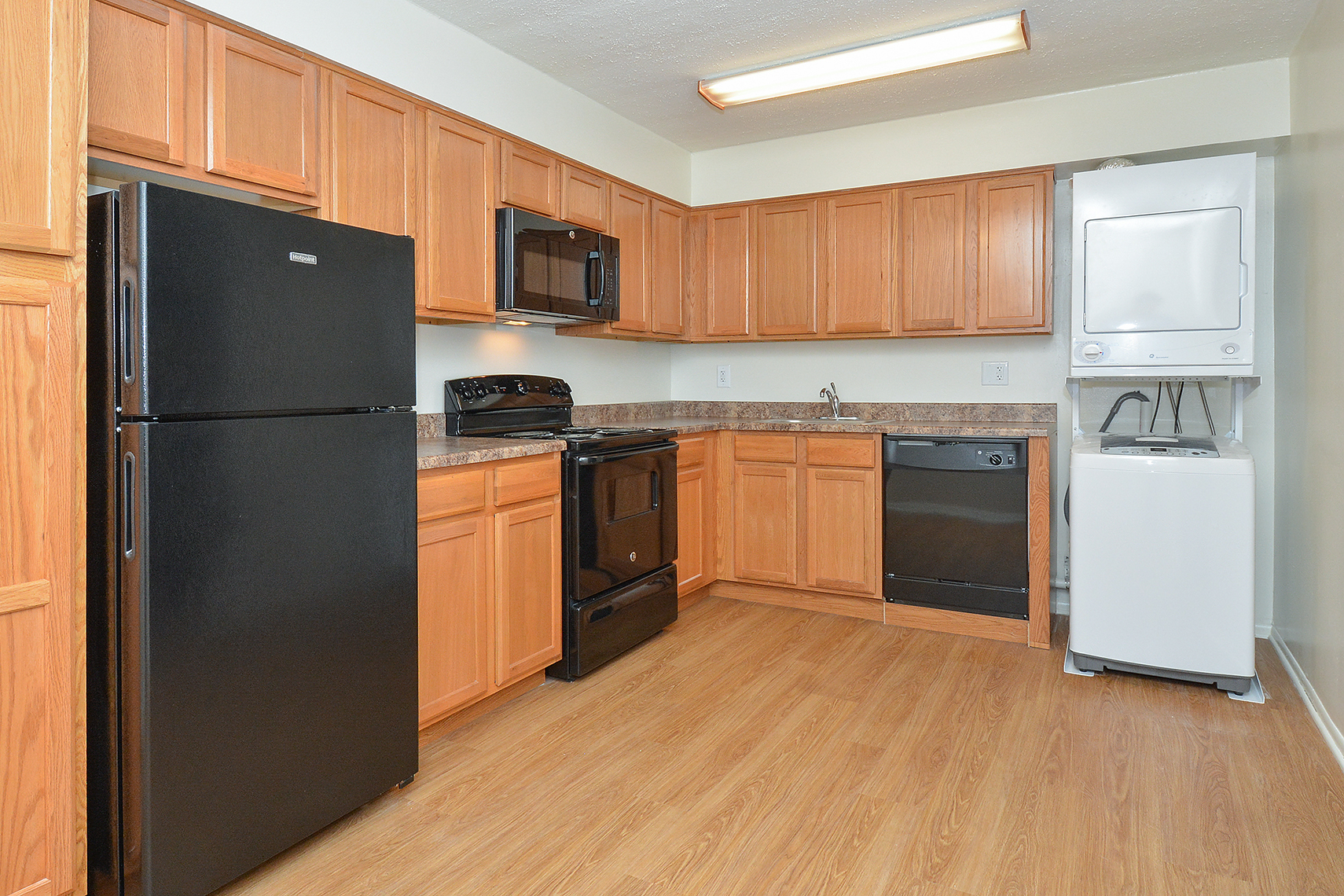 Modern Kitchen | Willow Grove PA Apartment For Rent | Willow Run Apartments