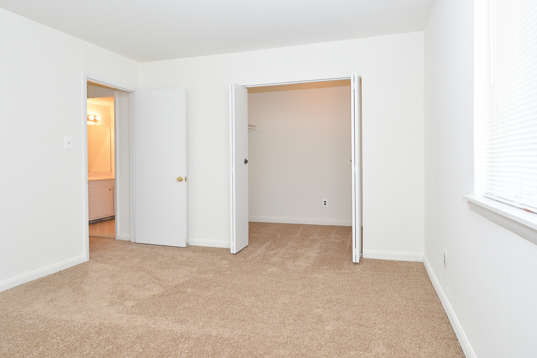 Cedar Tree Village Sample Bedroom with Walk-In Closet | Apartments Near Wilmington, DE
