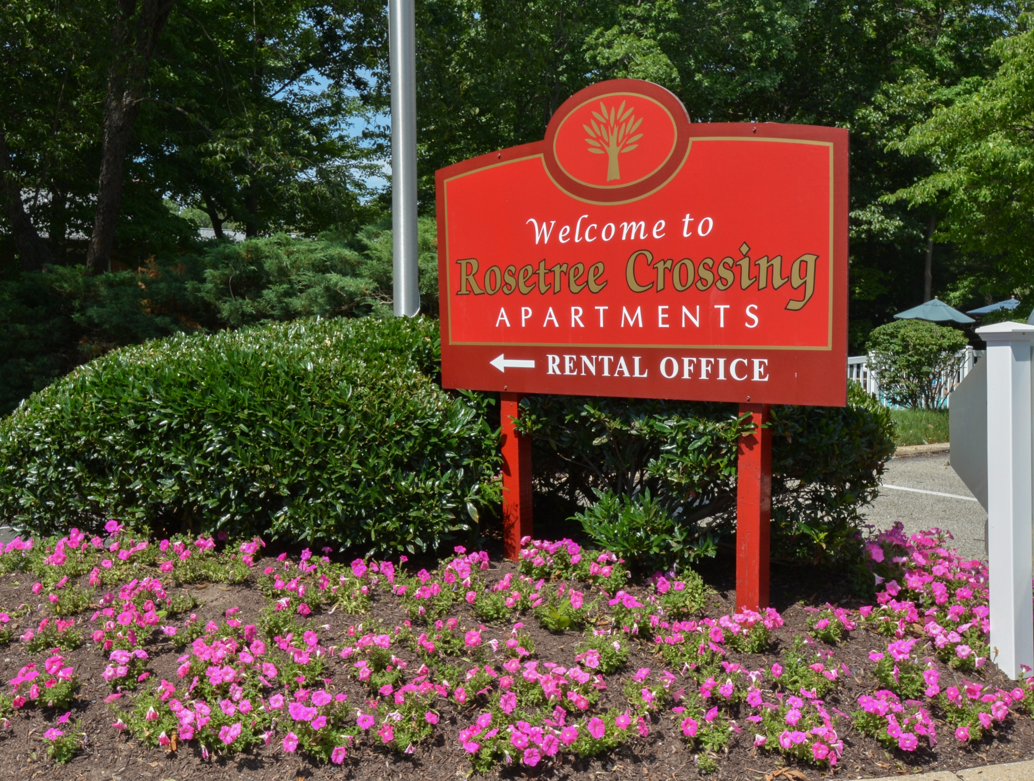 Rosetree Crossing Red Welcome Sign | Apartments Near Media PA