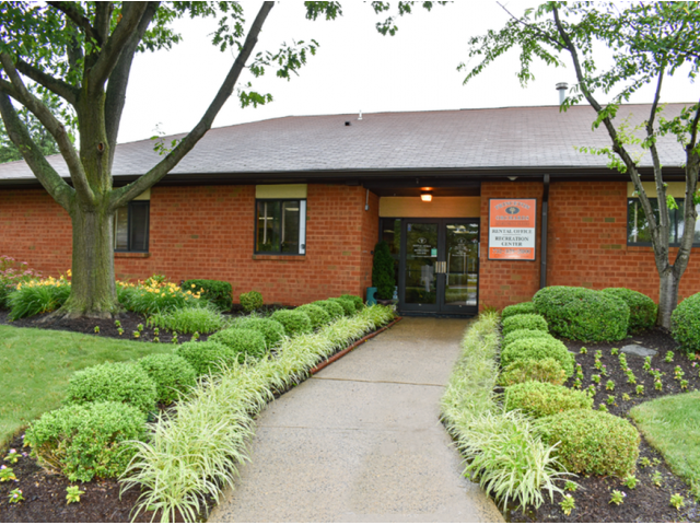 Princeton Orchards Leasing Center with Landscaped Walkup | Apartments for Rent in South Brunswick, NJ