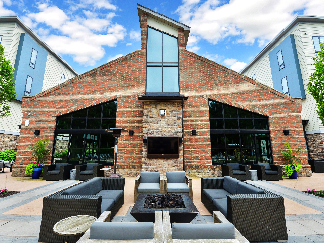 Outdoor Firepit with Lounge Seating