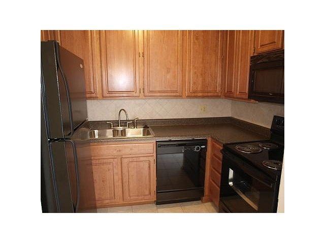 Camelot Townhomes Renovated Kitchen