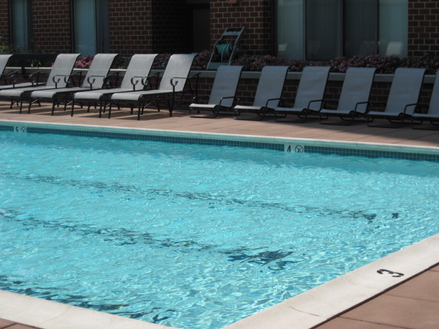 Image of Swimming Pool and Sundeck for Meridian at Courthouse Commons