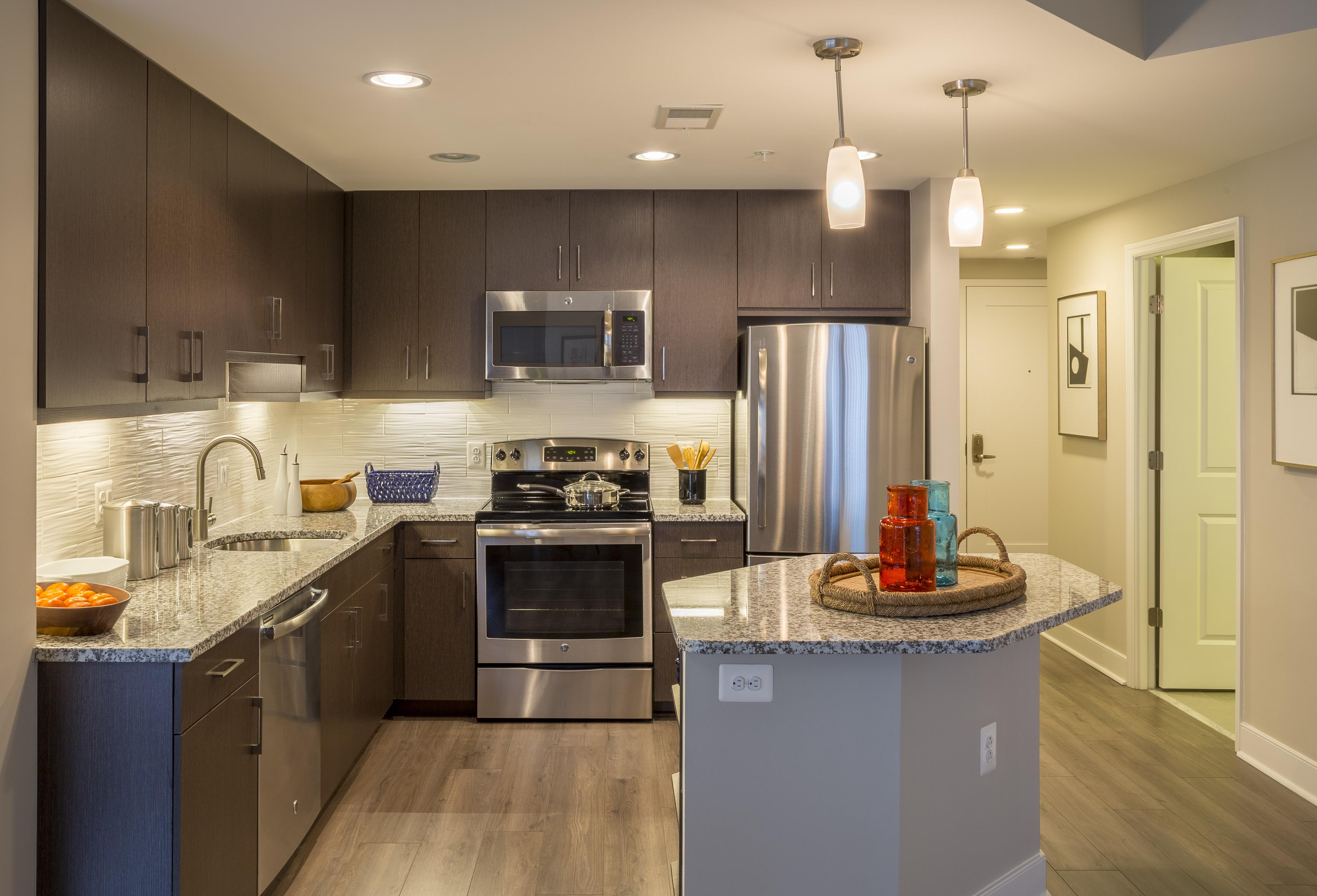 Luxury Apartments In Alexandria VA | Meridian At Eisenhower Station