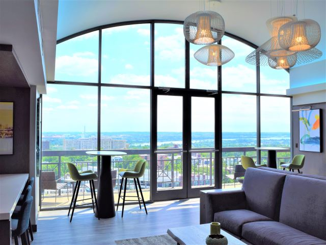 Newly Renovated Club Room| Meridian at Courthouse Commons| Arlington, VA Apartments