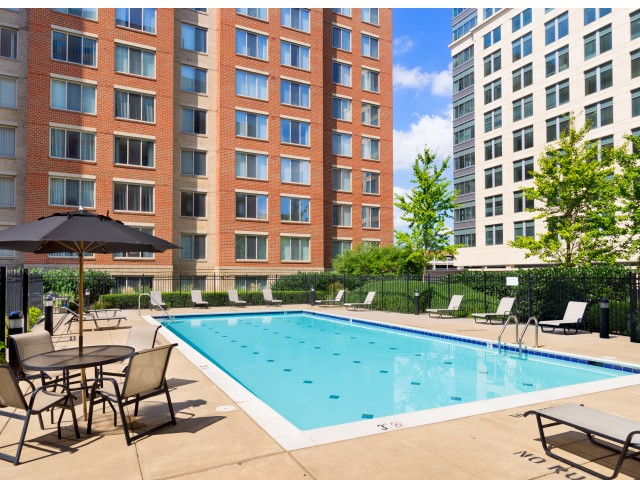 Sparkling Pool   Luxury Apartments Alexandria VA   Carlyle Place