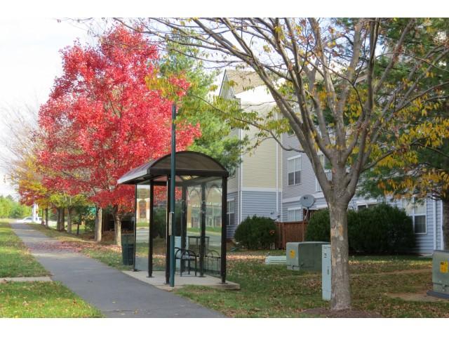 Bus Stop   Evans Ridge   Affordable Apartments Leesburg VA