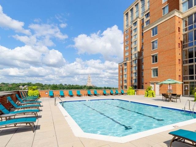 Swimming Pool and Sun Deck | Meridian at Eisenhower Station | Apartments in Alexandria VA