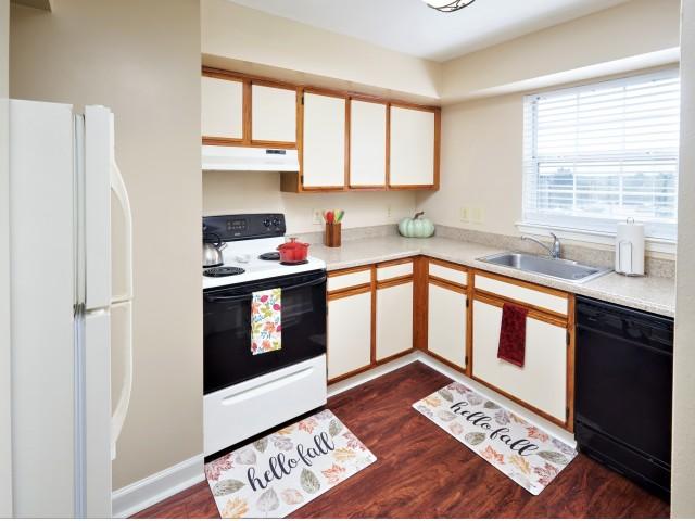 Kitchen   Evans Ridge Apartments   Affordable Apartments Leesburg VA